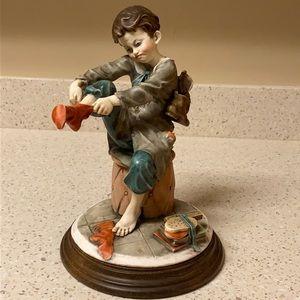 Vintage Giuseppe Armani Capodimonte Figurine